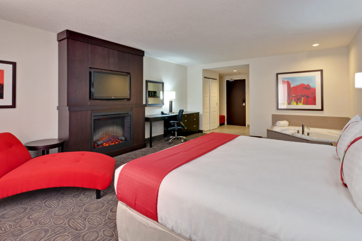King Suite at Holiday Inn and Suites Red Deer South