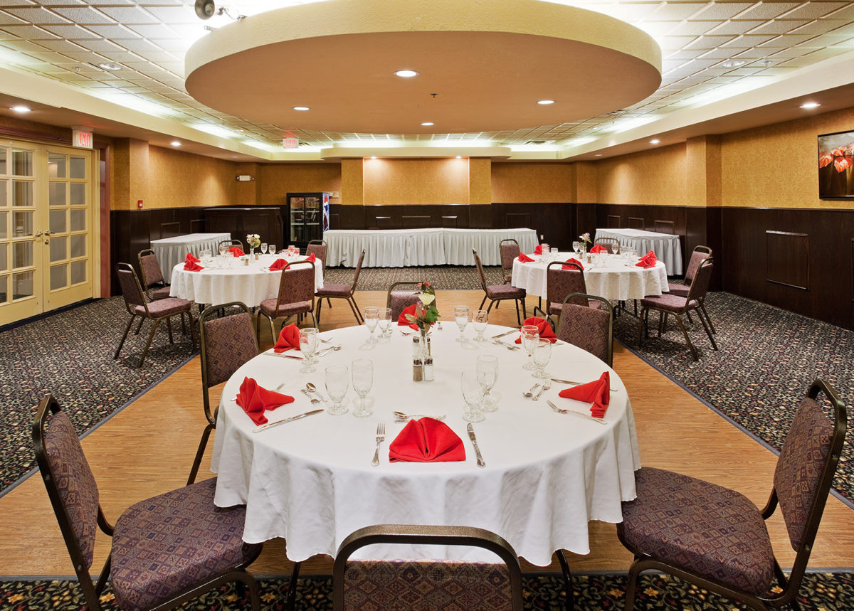 Holiday Inn Hinton Banquet Room